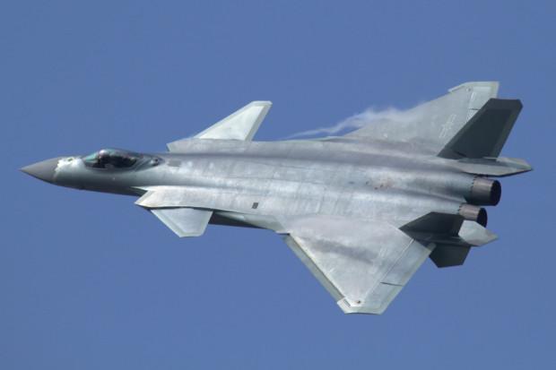 Chiński silnik do myśliwców J-20 wciąż zagadką
