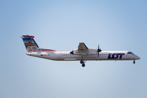 Bombardier LOT-u zawrócił do Warszawy z powodu problemów z klapami