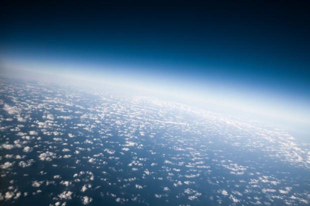 Warstwa ozonowa odrabia straty spowodowane przez przemysł