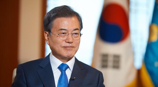 Mun Dze In wymienił ministra finansów i głównego doradcę