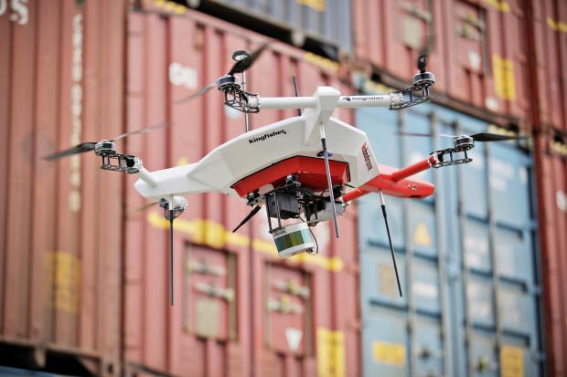 Drony przeliczą kontenery Škody