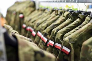 Uszyją prawie 150 tys. mundurów dla polskiego wojska