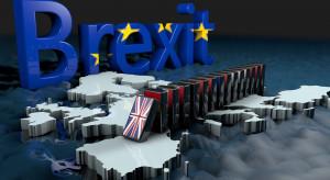 Partia w Wielkiej Brytanii obiecuje mldy funtów bonusu za zostanie w UE