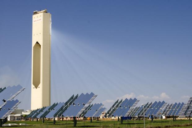 Rząd Hiszpanii ma plan. W ciągu trzech dekad całość energii z OZE
