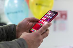 Apple grozi usunięciem ze sklepu aplikacji nagrywających ekran