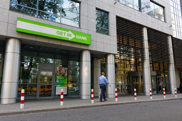 Banki Czarneckiego szukają inwestora, nie wykluczają połączenia