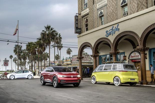 Volkswagen dokręca śrubę elektromobilności