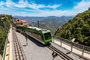 Koło Barcelony wykoleił się pociąg
