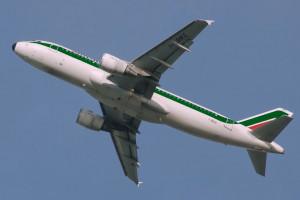 Nieoficjalnie: Alitalia trafi w ręce kolejarzy
