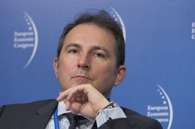 Skala ryzyk jest gigantyczna, część banków znajdzie się pod wodą - mówi wiceprezes PKO Rafał Antczak