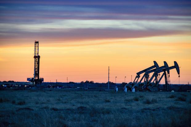 OPEC zadecydował o redukcji wydobycia ropy o 1,2 mln baryłek dziennie