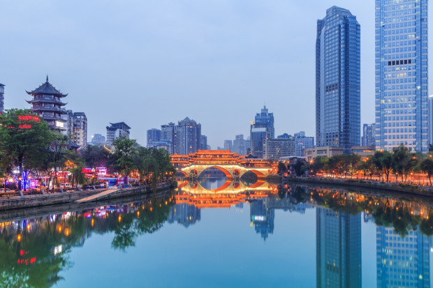 Dane z Chin napędzają notowania miedzi