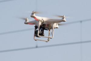 Grupa energetyczna testuje  drony do sprawdzania działania sieci energetycznych