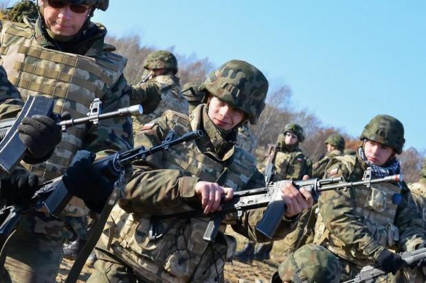 Żołnierze założą nowe mundury. Będą szyte w Polsce, a nie w Bangladeszu