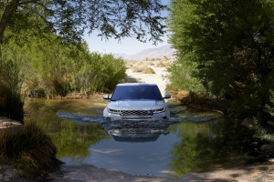Land Rover Evoque 2019 1.jpg