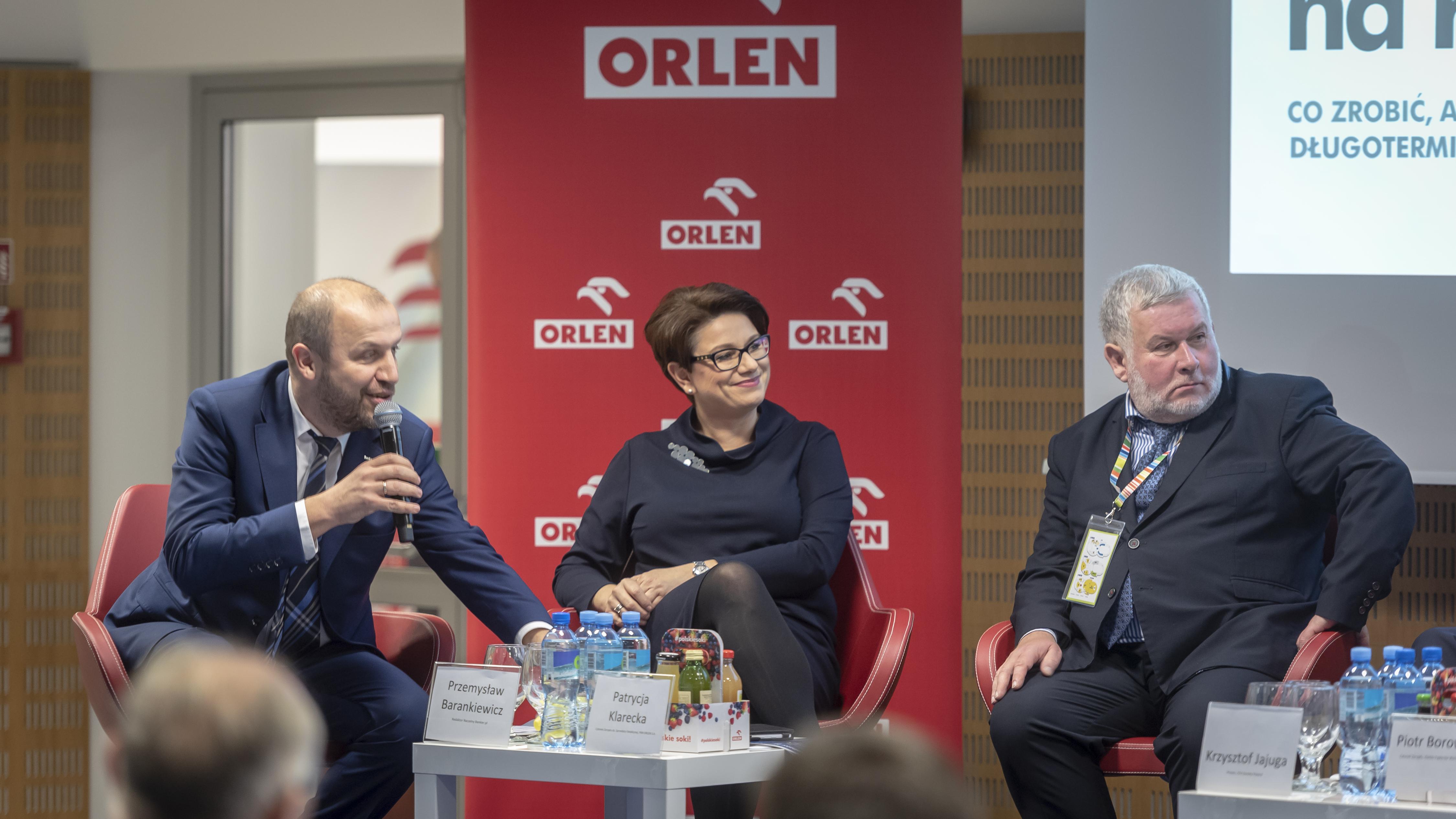 W środku członek zarządu PKN Orlen Patrycja Klarecka. Fot. Mat. pras.