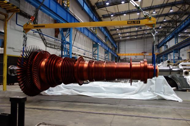 Wirnik turbiny już na placu budowy w ArcelorMittal w Krakowie