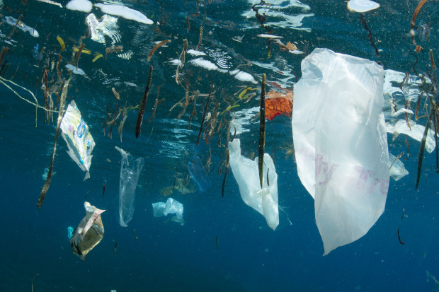 Systemy ABB pomagają w badaniu plastiku w oceanach