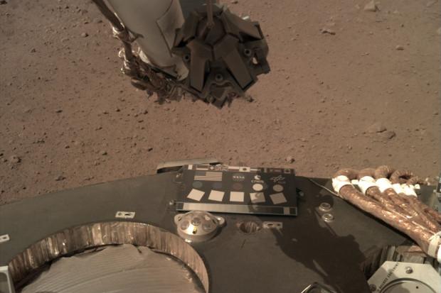 NASA opublikowała zdjęcia z Marsa, widać na nich m.in. polską flagę