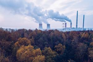 Panika na rynku CO2. Ceny lecą na łeb, na szyję