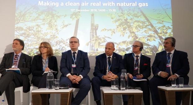 """Uczestnicy panelu """"Wykorzystanie gazu ziemnego w celu poprawy jakości powietrza"""". Fot. PTWP (Andrzej Wawok)"""