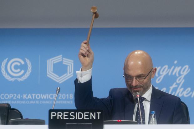 """Szczyt klimatyczny zakończony. Strony przyjęły """"Pakiet Katowicki"""""""