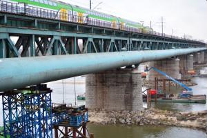 Most Gdański w Warszawie żegna się ze starymi przęsłami