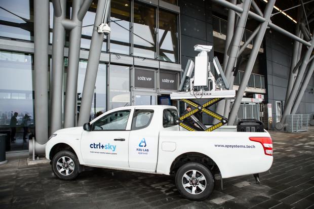 Antydrony z APS zaradziłyby problemom z dronami na lotnisku Gatwick
