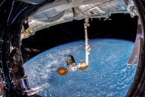 Samochód poza Ziemią, powrót na Księżyc... Ale kosmos ma i polski wymiar