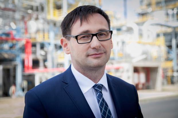 Prezes Orlenu obiecuje dalsze obniżki cen paliw