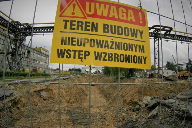 """Waloryzacja kontraktów budowlanych: pomóc może klauzula """"rebus sic stantibus"""""""