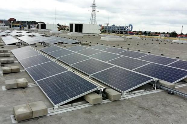 Carrefour w Polsce stawia na efektywność energetyczną i produkcję energii