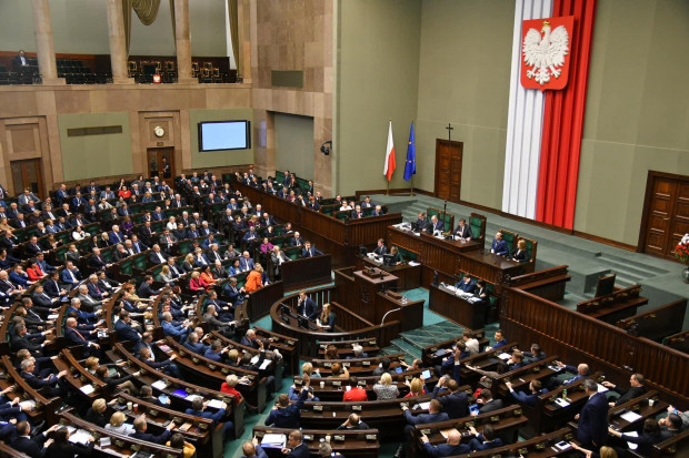 Sejm uchwalił prezydencką ustawę frankową