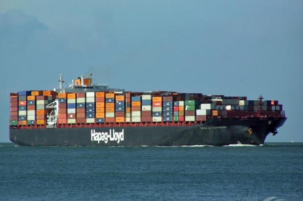 Yantian Express dryfuje na Atlantyku już bez załogi