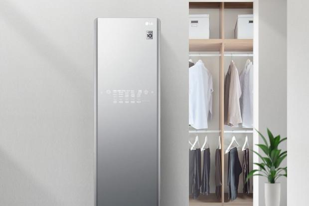 LG prezentuje inteligentne lustro i nową szafę parową