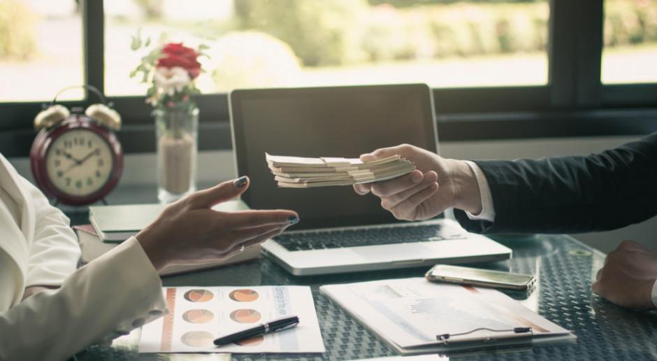 Pakiet antykryzysowy:  dofinansowanie do 50 proc. minimalnego wynagrodzenia