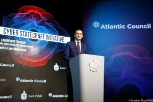 """Premier Morawiecki apeluje do polityków o zwiększenie wydatków na """"na cyberżołnierzy"""""""