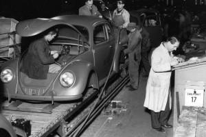 Produkcja VW Garbusa w roku 1945. Fot. Materiały prasowe