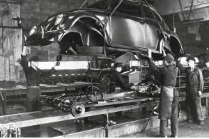 Tak produkowano Garbusy po II wojnieświatowej. Fot. Materiały prasowe