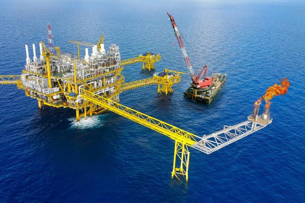 Ropa naftowa tanieje po solidnej podwyżce cen
