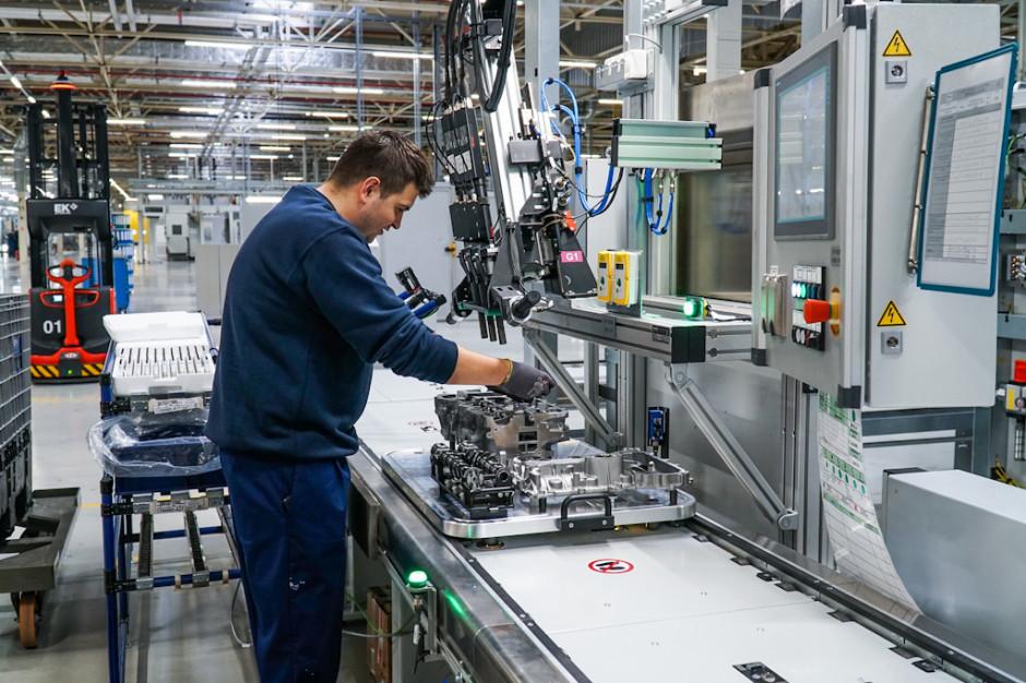 17 stycznia ponownie uruchomiono produkcję w fabryce silników w zakładzie Opel Manufacturing Poland w Tychach. Inwestycja w wysokości 250 mln euro pozwoliła ożywić zakład po czteroletniej przerwie. (Fot. PTWP/Michał Oleksy)