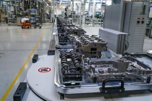 Zdjęcie numer 4 - galeria: Fabryka silników w Tychach znów działa - fotogaleria