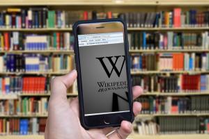 Wrogie przejęcie Wikipedii jest możliwe