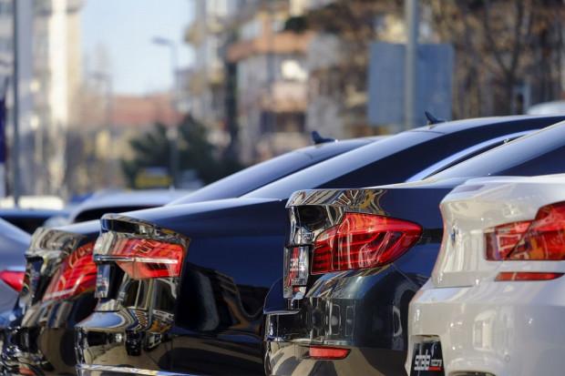 """""""Kradzież bez kluczyka"""" coraz większą plagą. Złodzieje samochodów nie próżnują"""