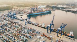 Kolej hamulcowym rozwoju polskich portów. Obiecuje, że to sięzmieni