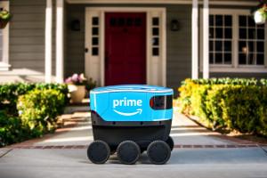 Roboty zaczynają wyręczać kurierów w dostarczaniu przesyłek. Na razie pod opieką