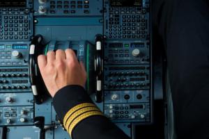 Piloci i oficerowie LOT dostaną podwyżki