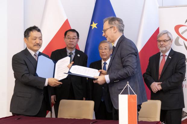 Polacy będą rozwijać badania jądrowe wspólnie z Japończykami
