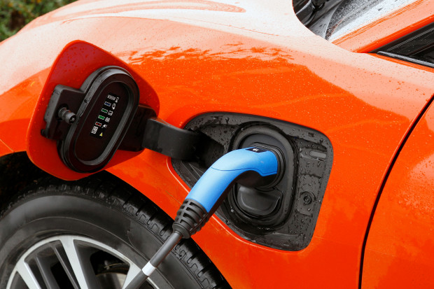Raport o motoryzacji na prąd