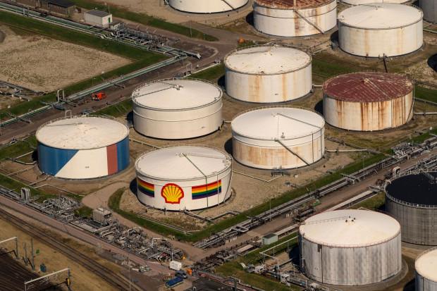 Chiński koncern Sinopec zbada z Shellem zasoby ropy łupkowej